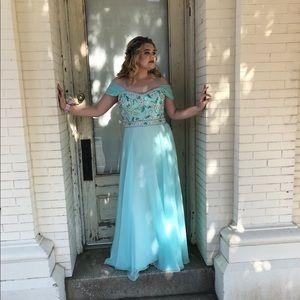 Womens Average Prom Dress Price On Poshmark